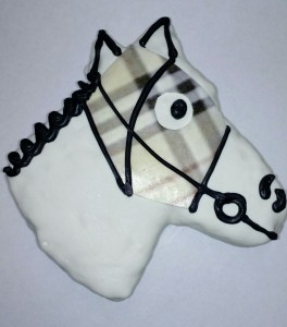 White Derby Horse Crispy